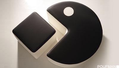615360_prodotti_poufman_base-nera-seduta-bianca-1.jpg